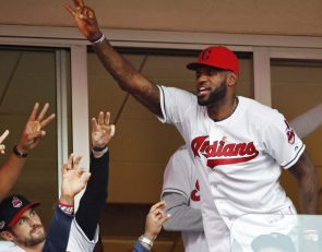 LeBron James apoya a los Dodgers (¿aunque es fan de Indians o Yankees?)